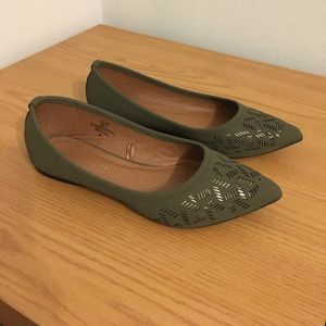 Madden Girl Flat Shoes.